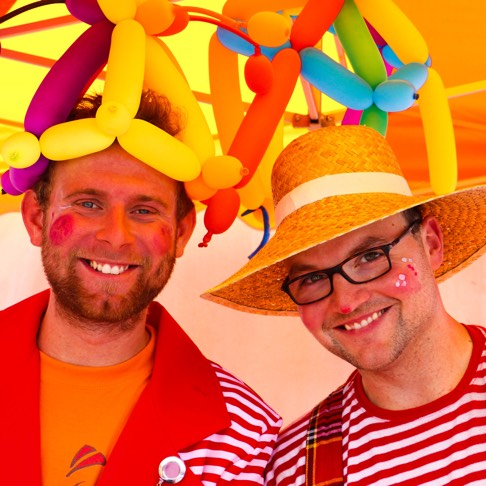 Clowncompany_event_sommerfest_clown freunde bunt